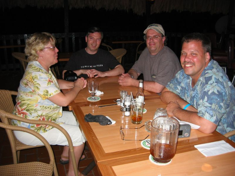 (L-R) Cindy, Scott, Mike and Chad, after contest dinner, at the Sunset Waters Beach Resort