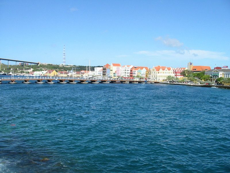 Queen Emma Pontoon Bridge and Punda waterfront