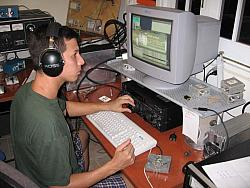 Alfredo WP3C mult hunting on 80m, during CQWW CW 2006.